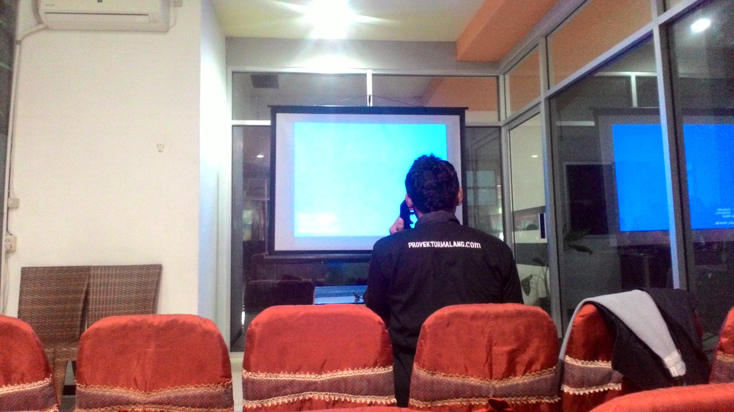 TARIF RENTAL LCD PROYEKTOR
